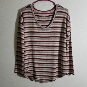 Medium vneck pink stripe knit top